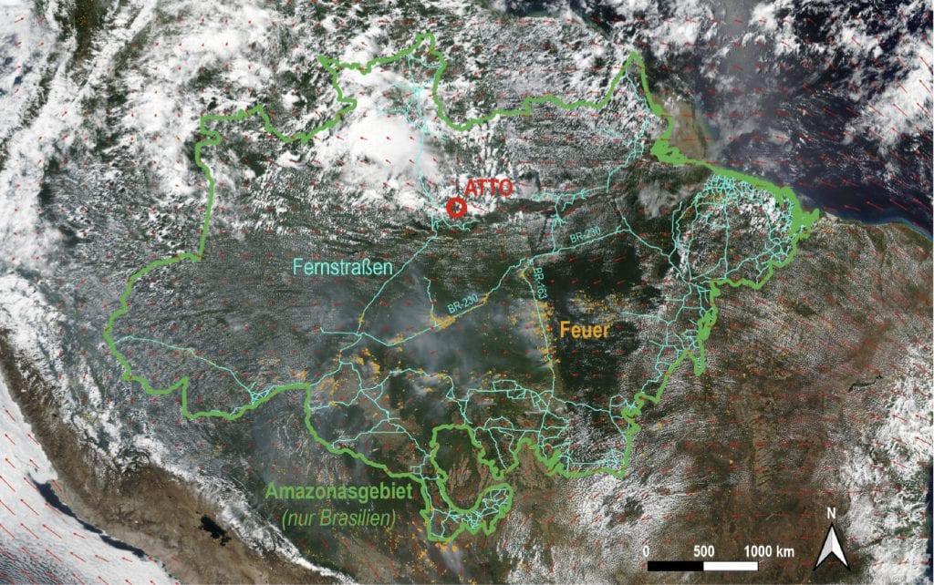 Satellitenbild des Amazonasbeckens mit Feuerkarte für den 12. August 2019, Kartografik